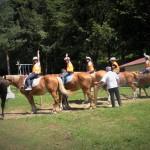 Верховая езда в лагере LuckyKids | LuckyKids