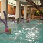 Дети в био бассейне | LuckyKids