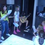 Музыкальные уроки в летнем лагере ЛакиКидс | LuckyKids