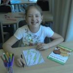 Дети во время уроков английского языка | LuckyKids