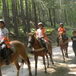 Децата от ЛъкиКидс 2017 по време на езда | LuckyKids