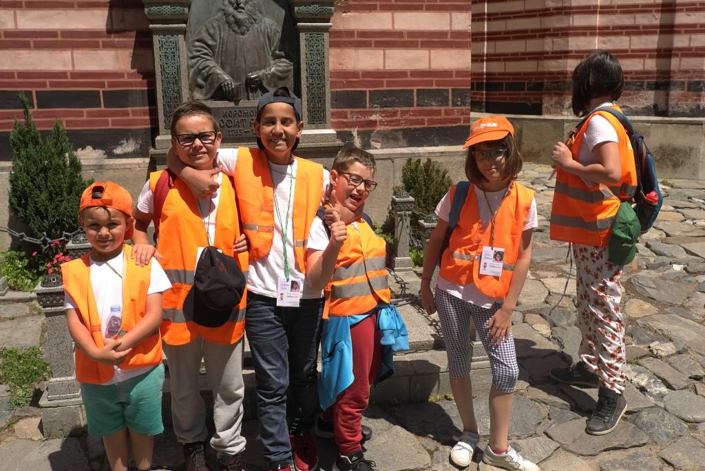Дети из LakiKids во время поездки | LuckyKids