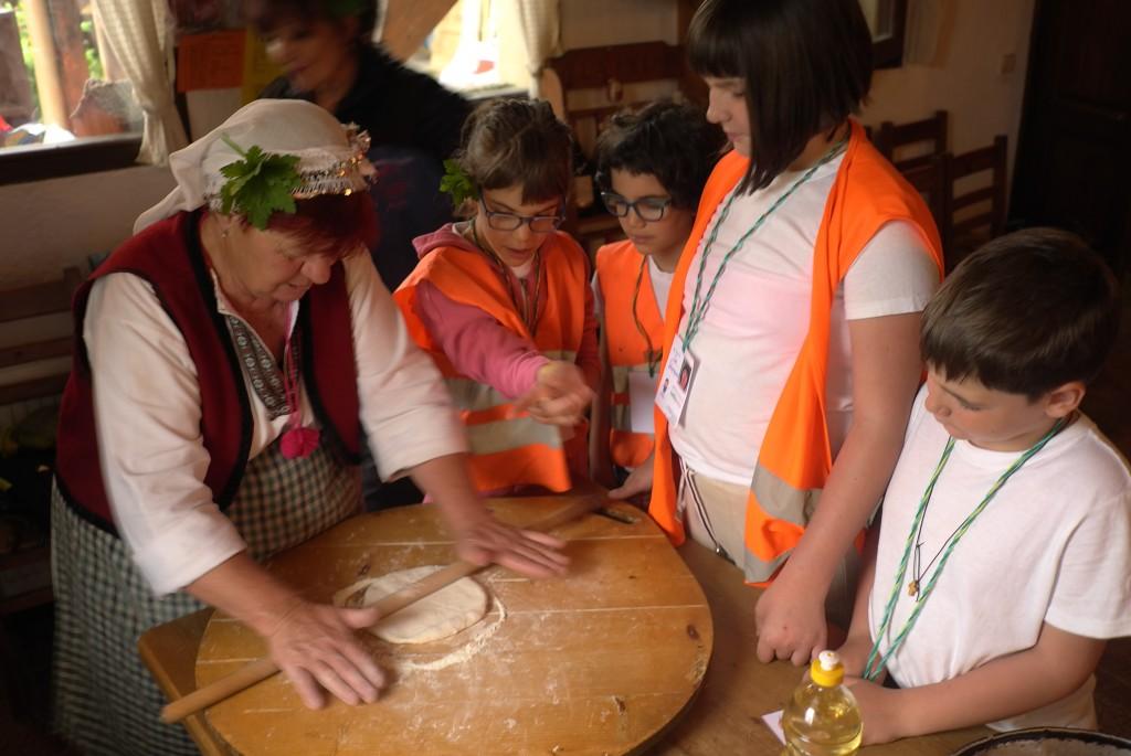 Children learn to cook Bulgarian banitsa | LuckyKids