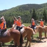 Езда на коне в детския лагер | LuckyKids