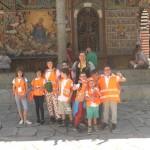 Снимка на деца в Рилски манастир | Lucky Kids