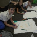 Деца оцветяват тениски | Lucky Kids