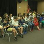 Деца в залата на детски лагер | Lucky Kids