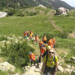 Изморени от дълъг планински преход | Lucky Kids