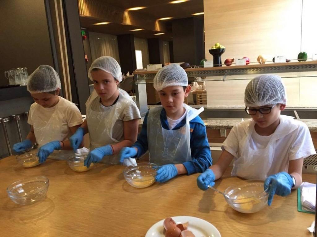 Дети учатся профессионально готовить | Lucky Kids