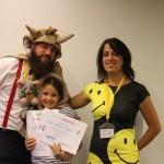Аниматори връчват сертификат на деца | Lucky Kids