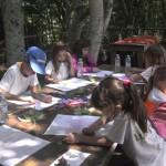 Деца рисуват с пастели на открито | Lucky Kids