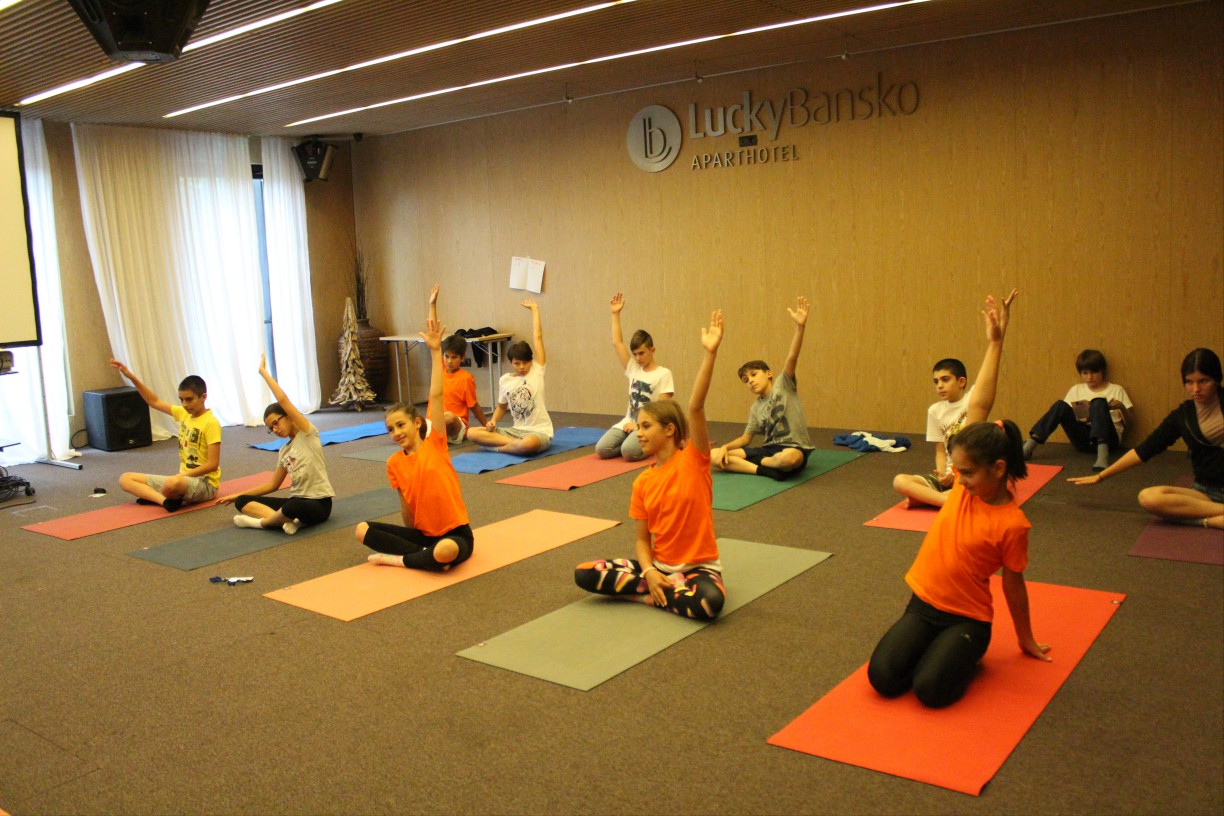 Yoga for children in a hotel | Lucky Kids