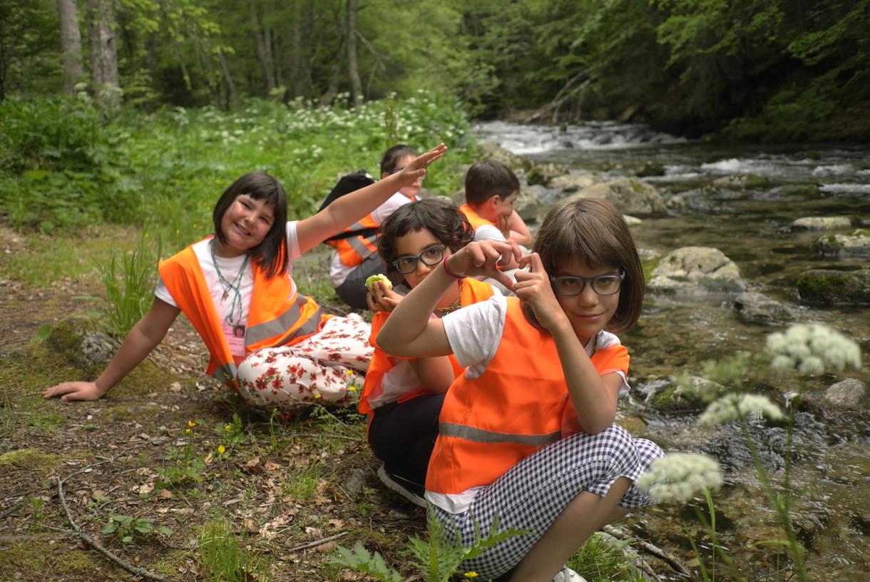 Children near the Pirin River | Lucky Kids