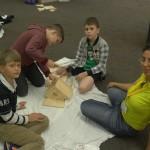 Дети делают дом для птиц | Lucky Kids