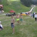 Дети старше слайда воды в Банско | Lucky Kids