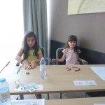 Занятия с пластилином в детском лагере | Lucky Kids
