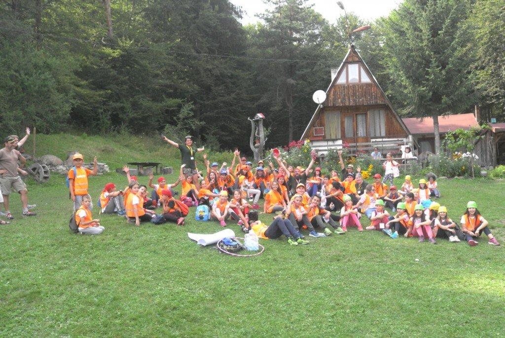 Английски лагер Lucky Kids