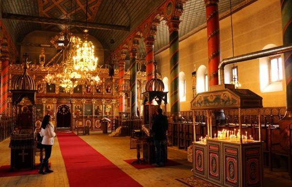 Църква Св. Троица в град Банско | LuckyKids
