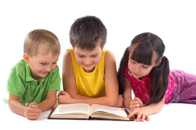 Дети читают книги на английском языке | Lucky Kids