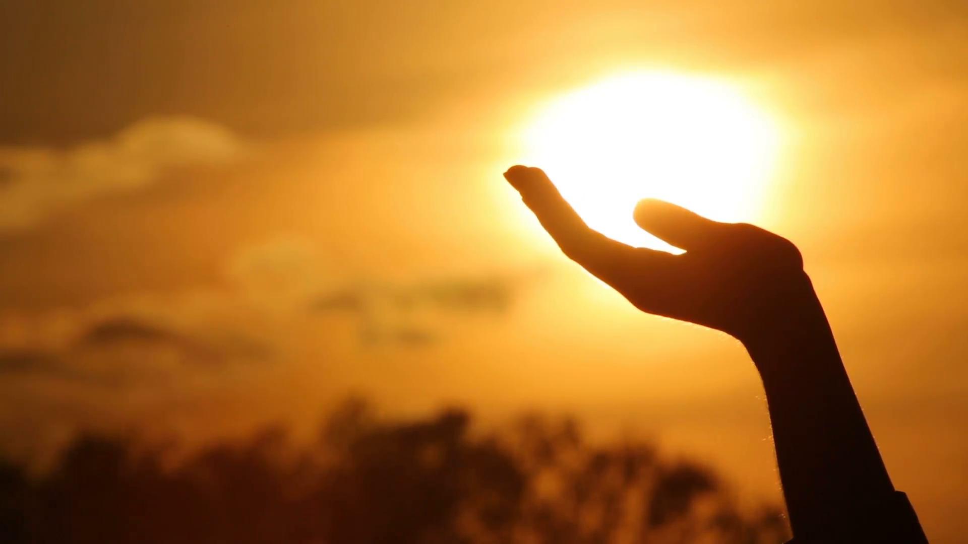 sun-human-hand
