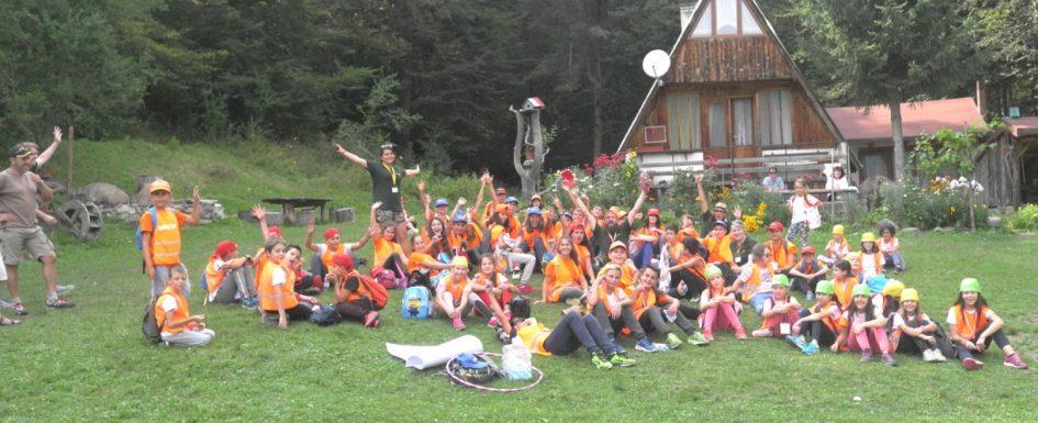 10 motive pentru a alege fără îndoială tabăra de vară în limba LuckyKids